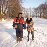 Усталые, но довольные папа с сестрой на реке Оскол